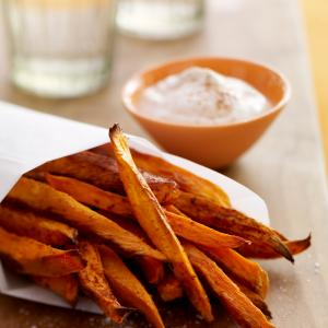 Baked Sweet Potato Fries with Honey Spice Dip - McCormick®
